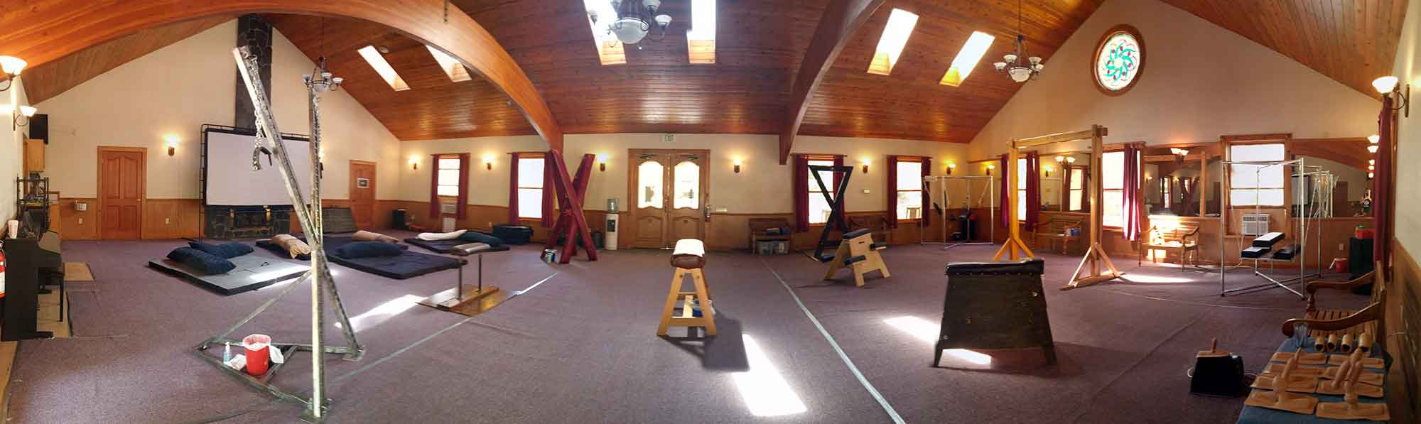 Boundless panoramic view of the dungeon space
